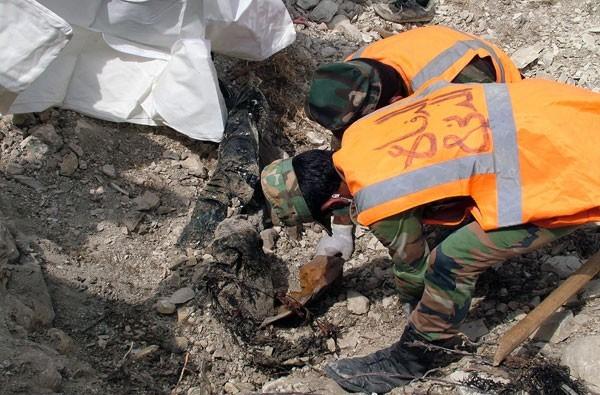 File:Latakia mass grave 5.JPG
