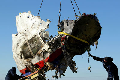 MH17 cockpit right side closeup.jpg