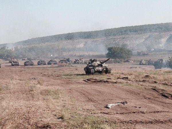 Abandoned T-64 Bulat tanks near Lugansk.jpg