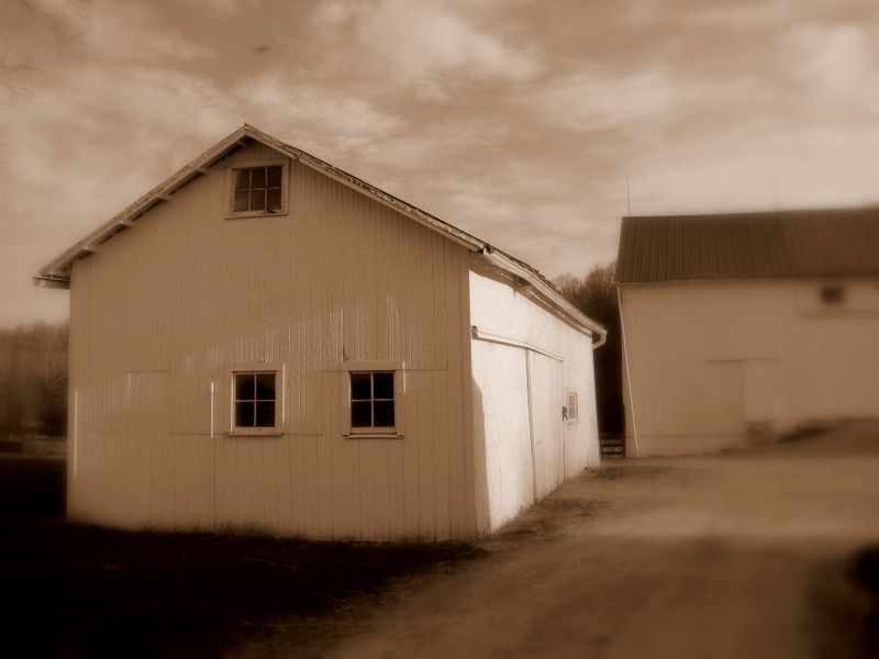 File:Malabar-antique-barn.JPG