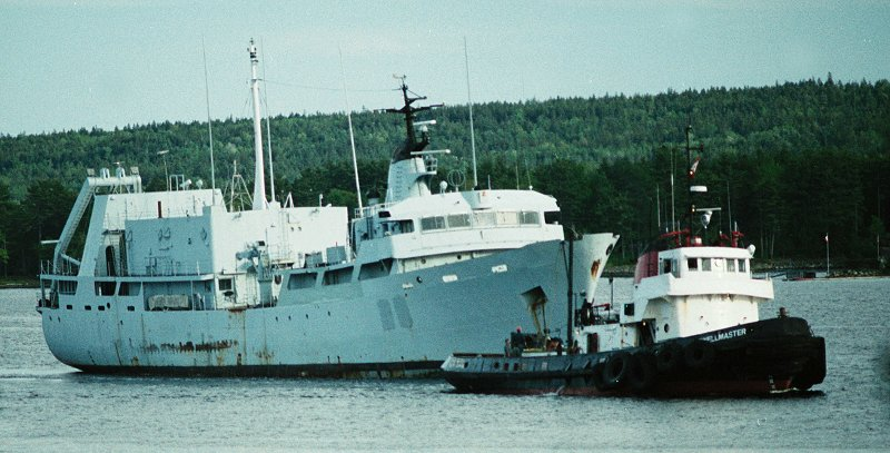 File:HMCS Cormorant (ASL-20).jpg