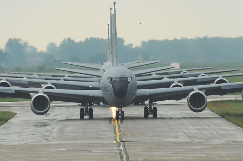 File:KC-135R-Taxi.jpg