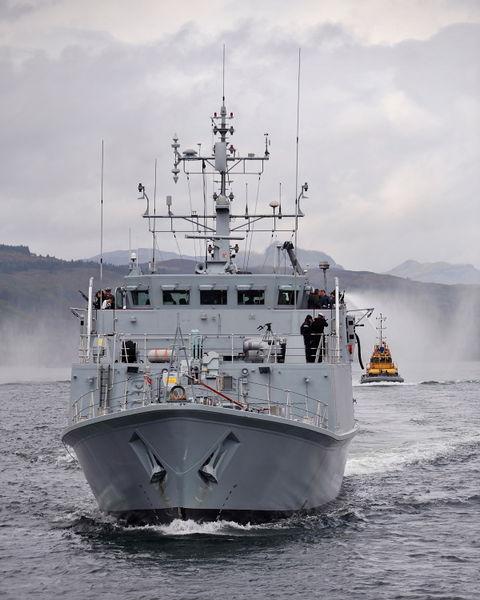 File:HMS Ramsey departs HMNB Clyde.jpg