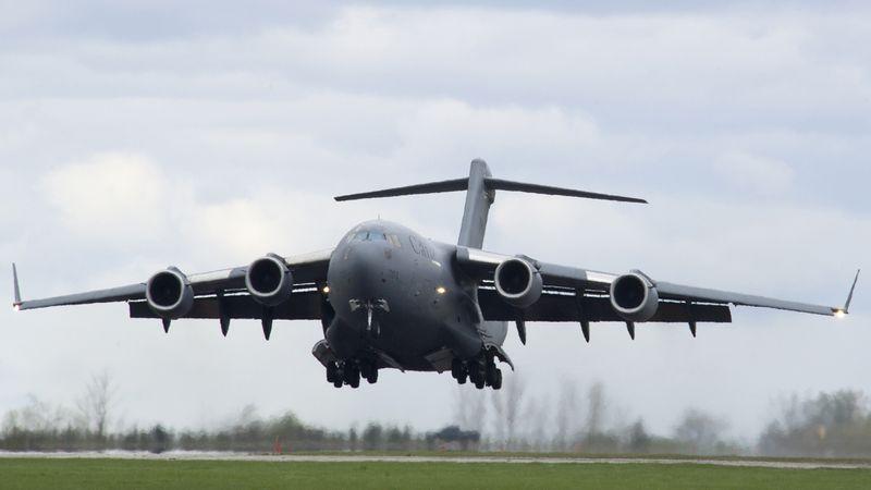 File:BoeingC-17RCAF.jpg