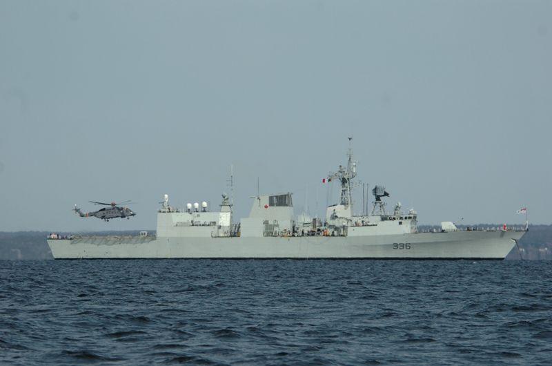 File:HMCS Montreal (FFH-336).jpg