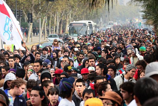 File:Santiago 2011 May 7 Chile crowd.jpg