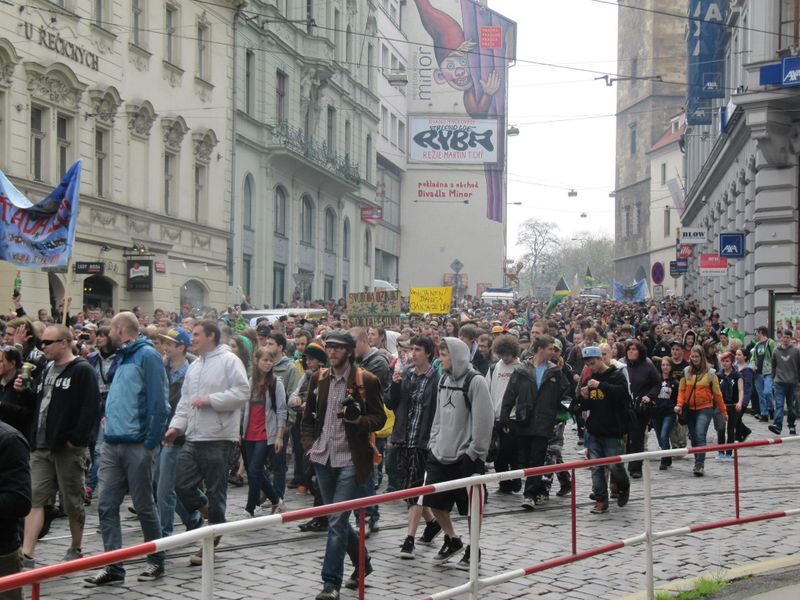 File:Prague 2013 May 4 Czech Republic crowd 6.jpg