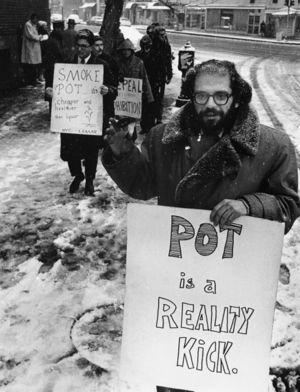 New York City 1964 Dec 27 Allen Ginsberg, marijuana rally.jpg
