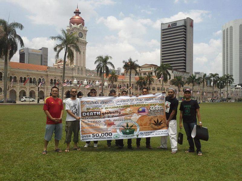 File:Kuala Lumpur 2013 April 20 Malaysia 3.jpg