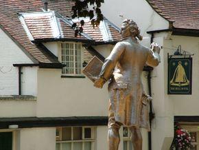 Thomas Paine statue in Thetford, Norfolk, England. July 2004.jpg