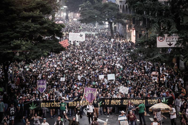 File:Sao Paulo 2018 May 26 Brazil crowd.jpg