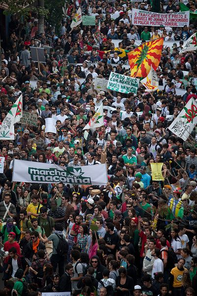 File:Sao Paulo 2012 May 19 Brazil crowd 2.jpg