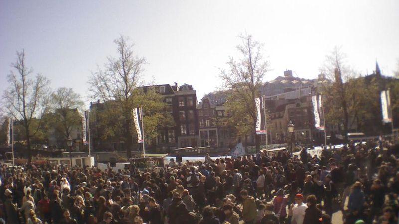 File:Amsterdam 2013 April 20 Netherlands crowd.jpg