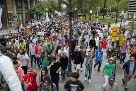 Rosario 2014 May 3 Argentina crowd 3.jpg