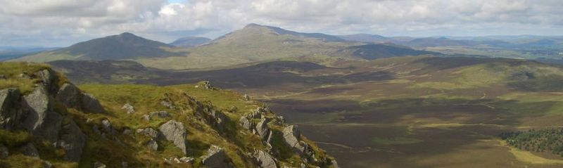 File:Arenig Fawr and Moel Llyfnant from Dduallt summit.jpg