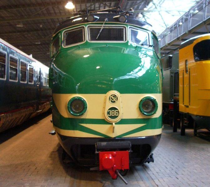 File:NS treinstel 386.jpg