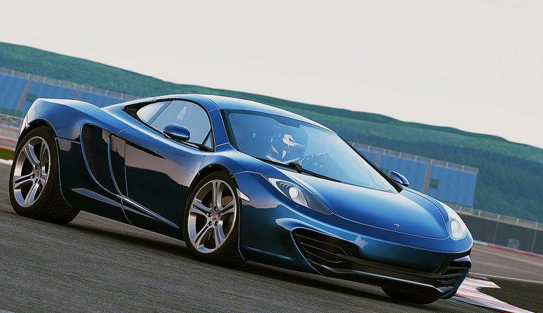 File:Cp McLaren12C wizza.jpg
