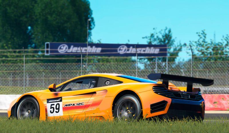 File:Cp McLarenMP4-12C-GT3 MarcioMoraes.jpg