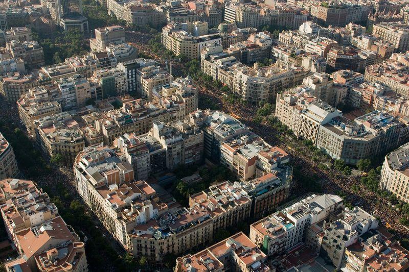 File:Eixample, Barcelona.jpg