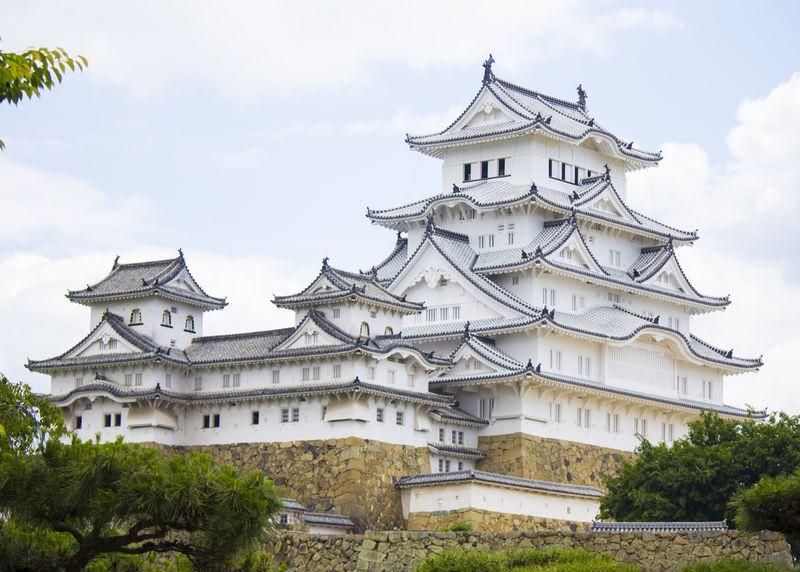 File:Himeji Castle 2017-06-16.jpg
