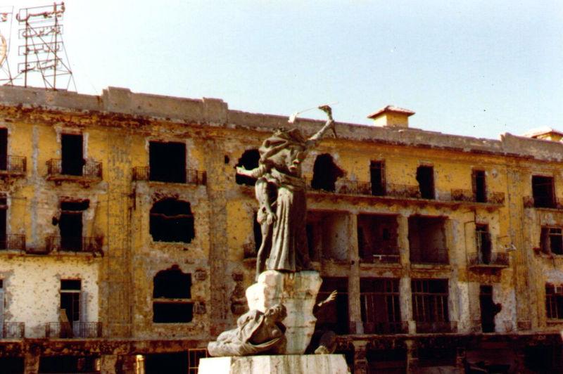 File:Place de la Victoire.jpg