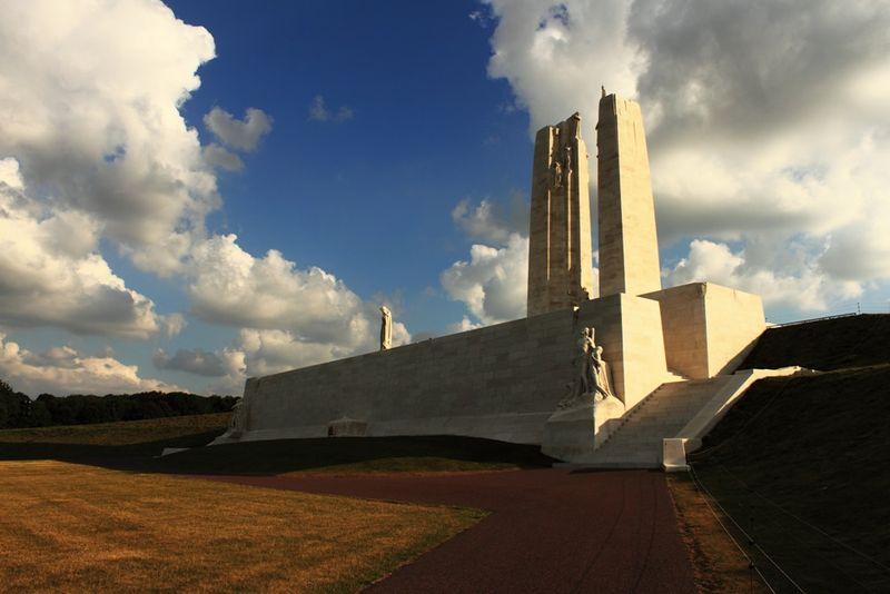 File:Myr memorial.jpg