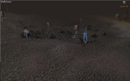 Pelaaja katselee Wilderness Skeleton mineä läheiseltä kukkulalta.