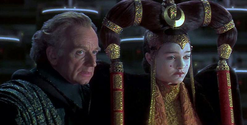 Tiedosto:Palpatine Amidala Senate.jpg
