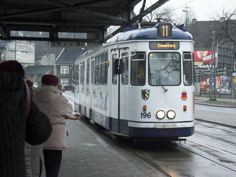 Plik:Linia 11 (Plac Bohaterów Getta).jpg