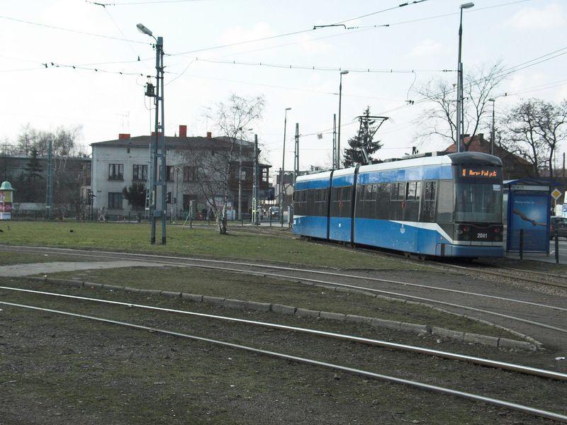 Plik:Linia 8 (Bronowice Małe).jpg