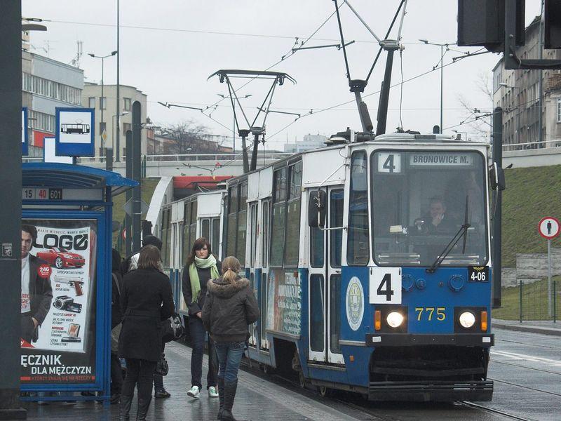 Plik:Linia 4 (Rondo Mogilskie).jpg