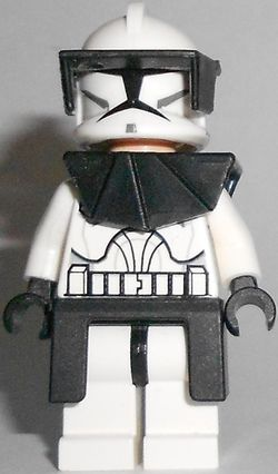 Clone Trooper Commander.jpg