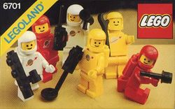 6701-Space Mini-Figures.jpg