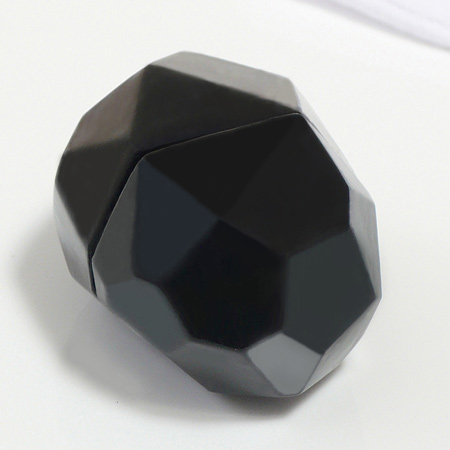 File:Faceted Nith.jpg