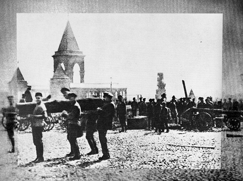 Файл:Lenin&brevno photo.jpg