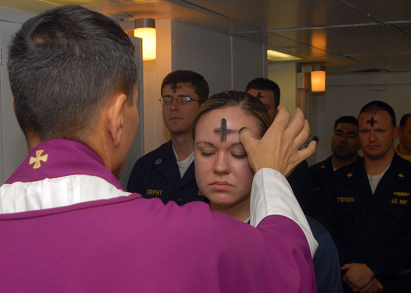 Файл:US Navy 080206-N-7869M-057 Electronics Technician 3rd Class Leila Tardieu receives the sacramental ashes during an Ash Wednesday celebration.jpg