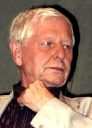 Archivo:Hans Magnus Enzensberger (cropped).jpg