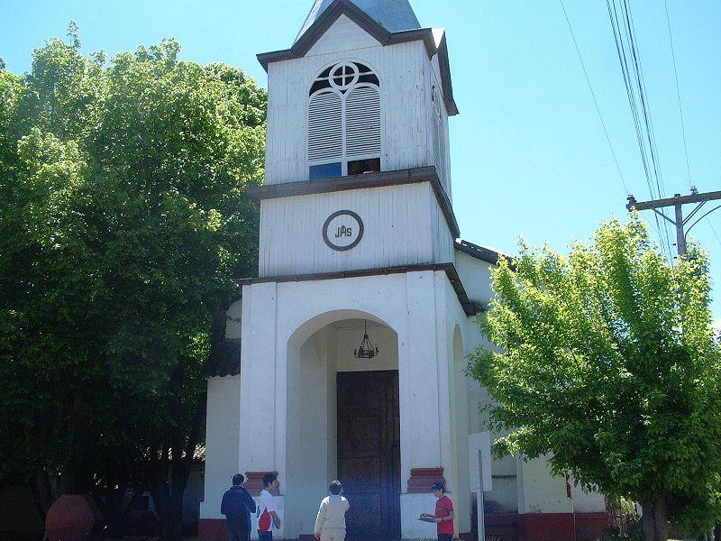 Archivo:Iglesia de Guacarhue.jpg