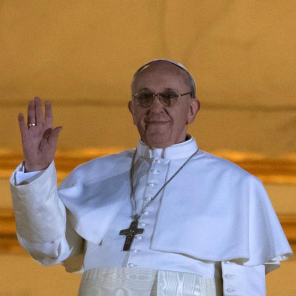 Archivo:Papa Francisco.png