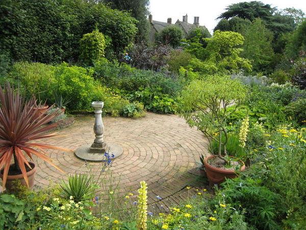 Hidcote Mrs Winthrop's Garden - geograph.org.uk - 556780.jpg