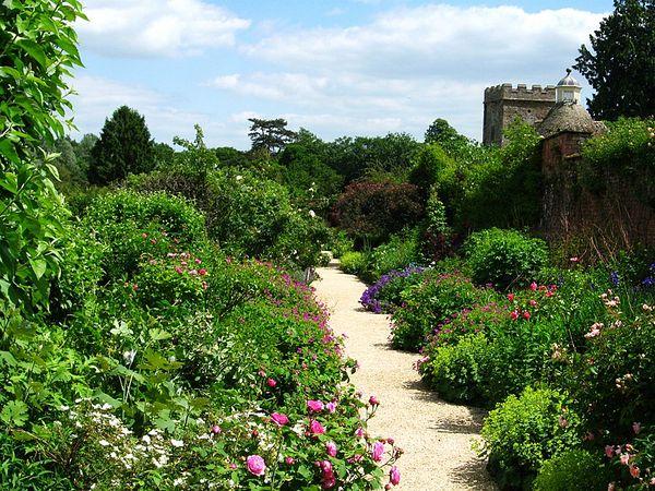 Rousham House Gardens x.jpg