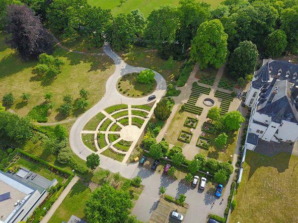 Chateau de Munsbach 2-w.jpg
