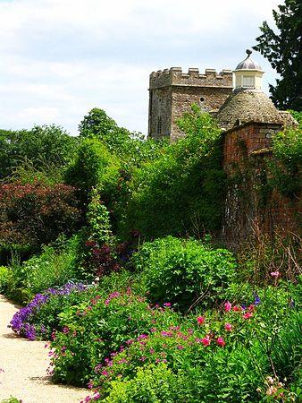 Rousham House Gardens (1).jpg