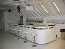 The compact bar of Bianco.