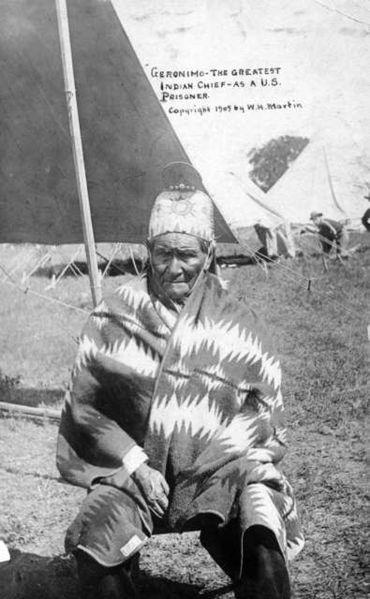 File:Geronimo, as US prisoner.jpg