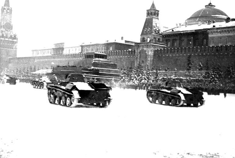 File:Moscowbattleparade.jpg
