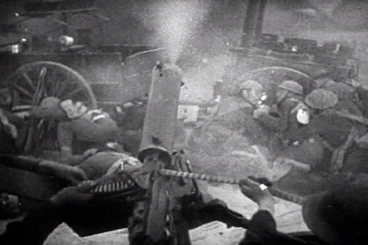 File:British gunner beach dunkirk.png