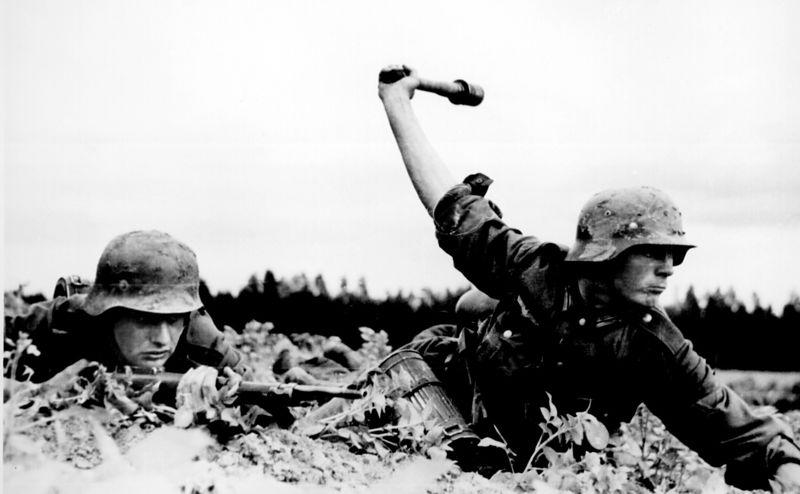 File:German troops in Russia, 1941.jpg