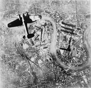 Heinkel He III over London 7 Sep 1940.jpg