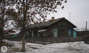 Дом № 111 на бывшей улице Летний Сад,ныне № 118а по улице Алексея Громова (2006)